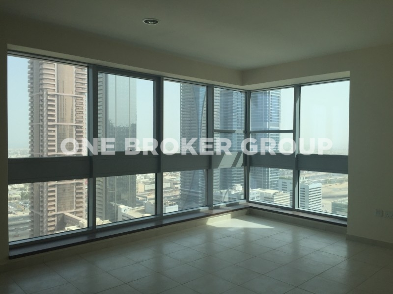 2 BR +Storage, Pool View, Exec Tower M