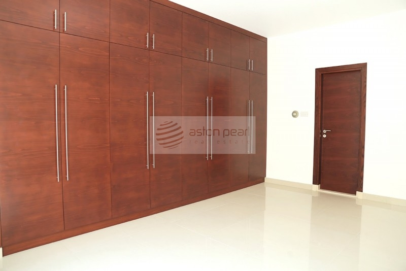 Single Storey 3 BR+M+S Compound Villa in Jumeirah 3