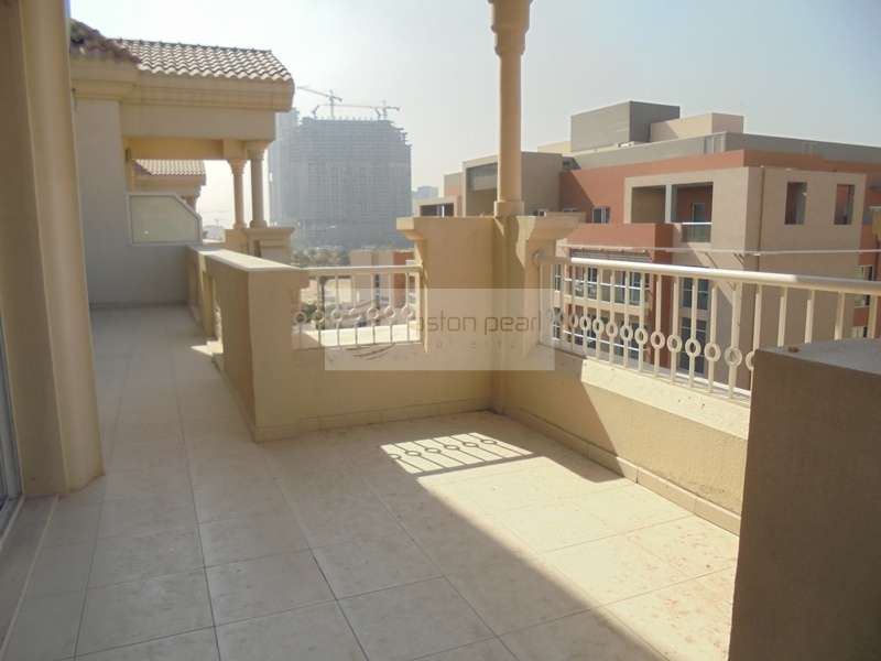 Well Maintained 2BR Huge Balcony, Vacant