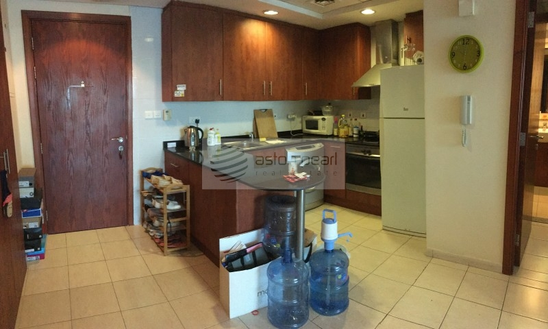 Fully Furnished with Lake View, on High Floor
