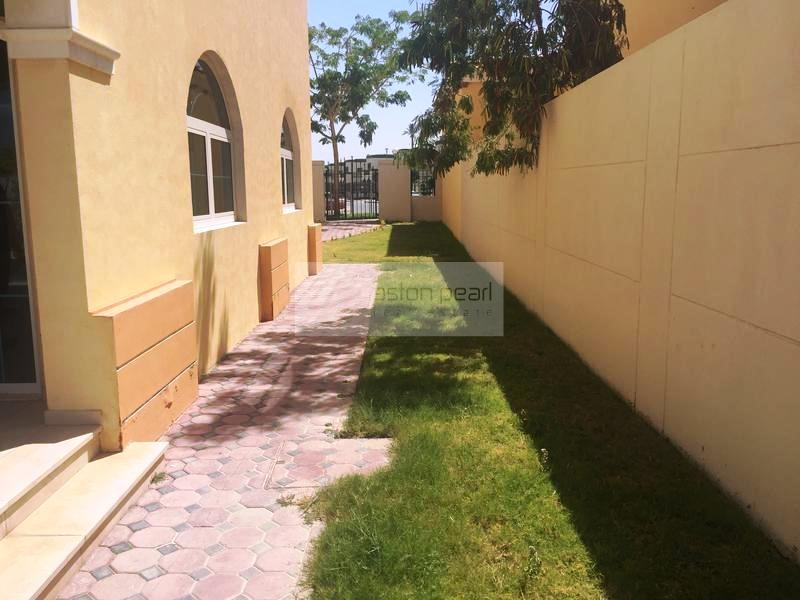 Best Location | Well Maintained 3B Villa