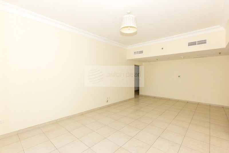 2 BR Lake Shore, JLT w/ Golf Course View