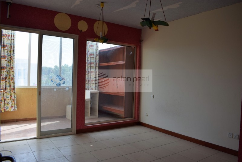 Vacant 3 BR Type 8, Large Plot in Saheel
