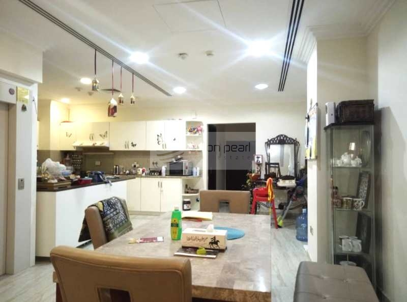 Modern Townhouse Lovely 4BR with Huge Size