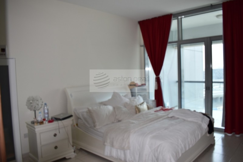 Corner 1BR with Big Balcony | Canal-Al Khail Views
