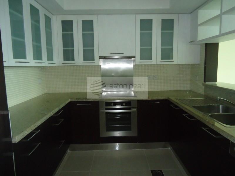Spacious Layout | 1 Bedroom | Road View