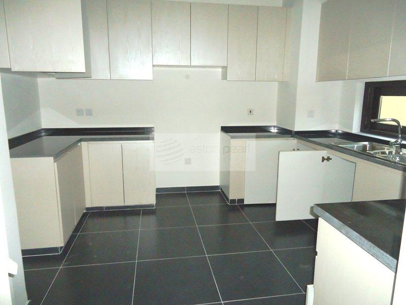 Beautiful 3 Br+Maid, Brand New Townhouse