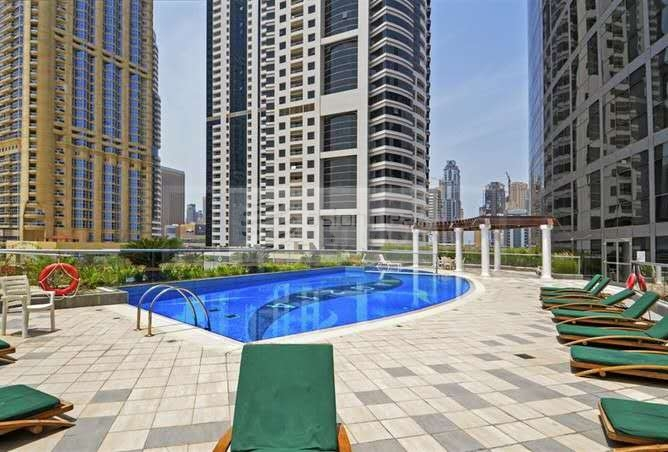 Fully Furnished 1BR Lake View High Floor