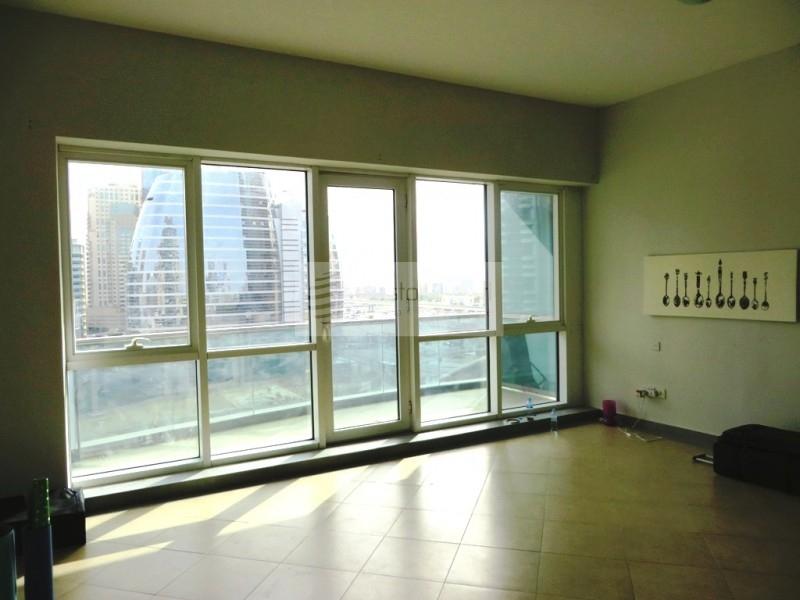 Very Spacious Studio Unit with Balcony