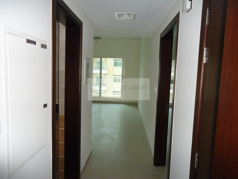 Spacious 1BR with Balcony | Low Service Charge
