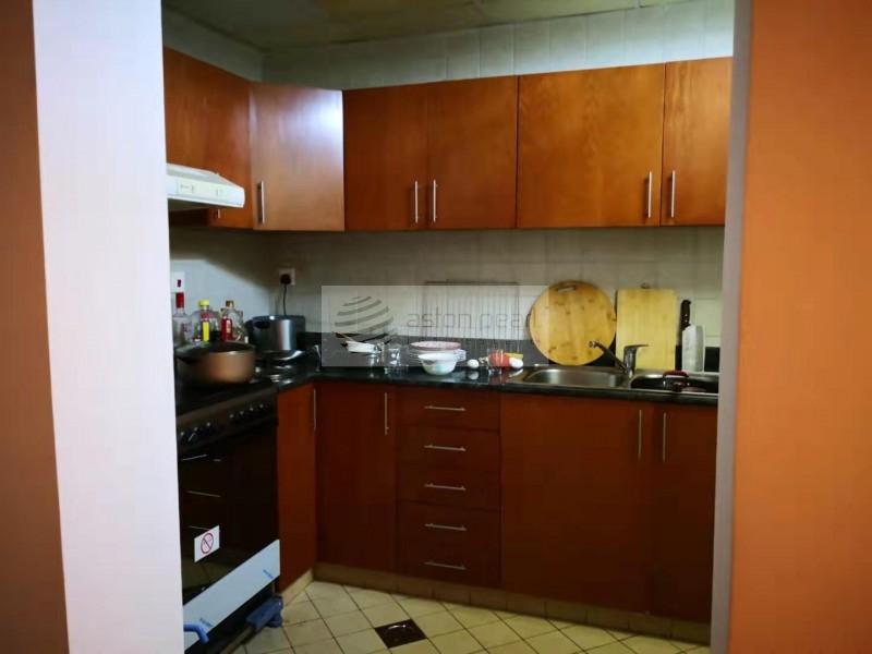 Fully Maintained, Furnished 1BR, On Mid Floor