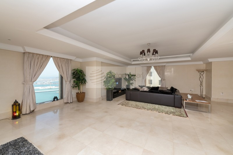 Front Sea, Contemporary Penthouse, Terrace/Pool