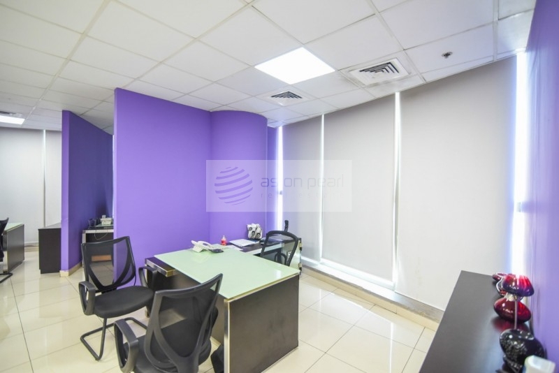Vacant Fitted/Unfurnished Office Space, 2 Parkings