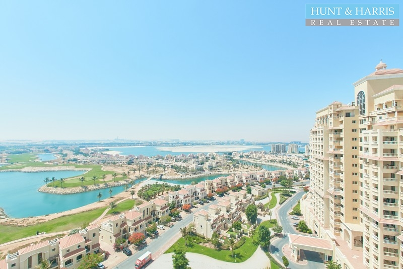 apartment-with-golf-course-view-royal-breeze