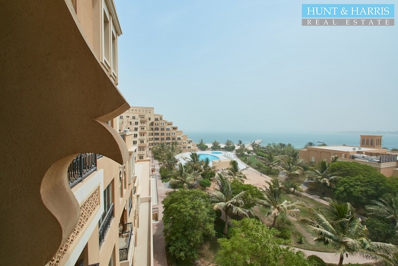 on-the-beach-luxury-furnished-studio-with-sea-views