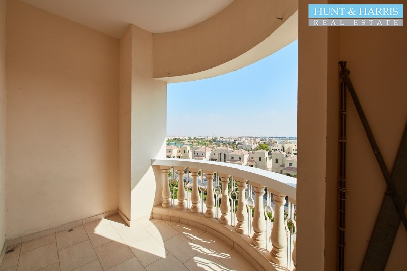 your-ideal-home-studio-royal-breeze-al-hamra-village