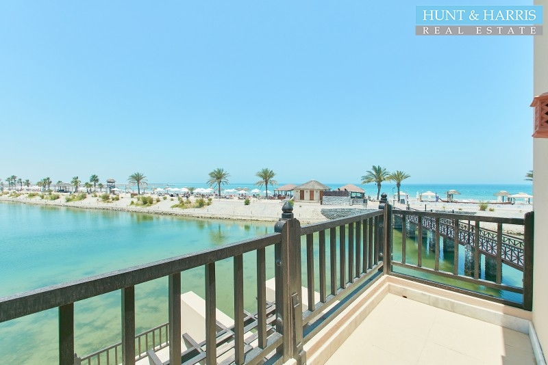 waterfront-villa-in-the-5-cove-rotana