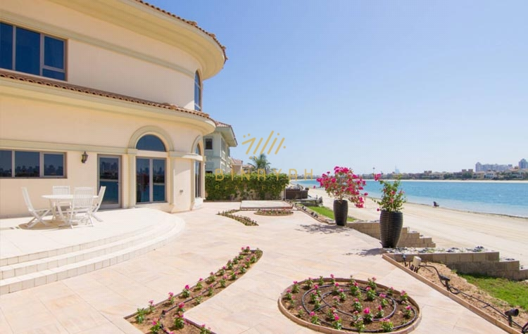 Seafront 5 bedroom high number French Riviera