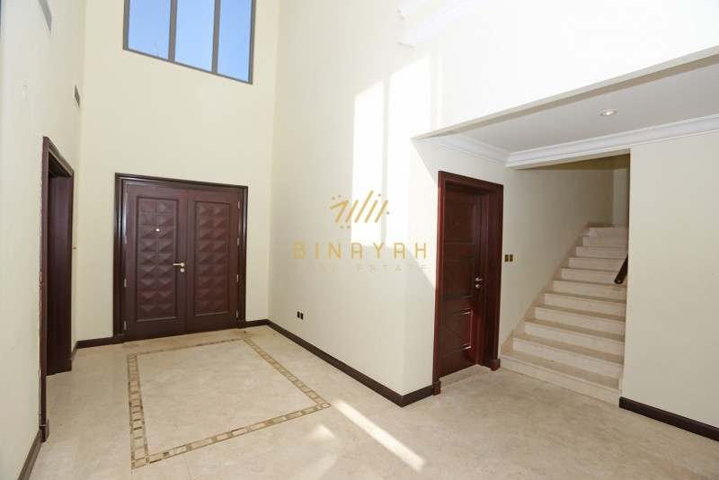 5 Bedroom Grand Foyer Seafront Garden Home