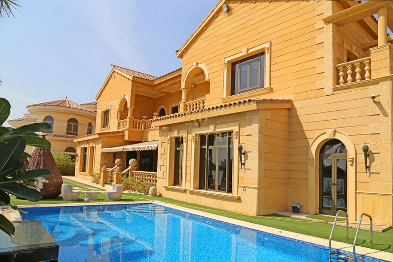 Most luxurious seafront signature villa