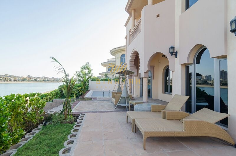 Sea front 4 Bedroom Garden Home Villa
