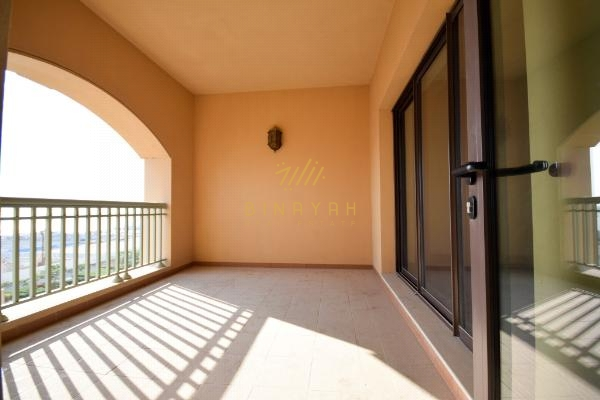 4 Bedroom townhouse in Golden Mile Partial Sea view