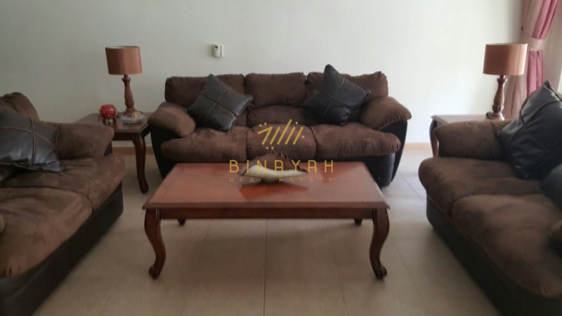 Cozy 2 Bedroom for Sale in Shoreline Panoramic view Palm Jumeirah