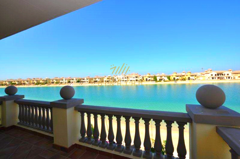 Luxury 5 bedroom seafront garden home villa