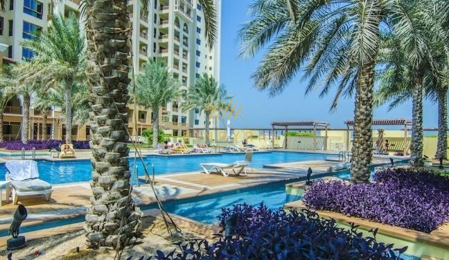 Beautiful 2 Bedroom at Marina Residence