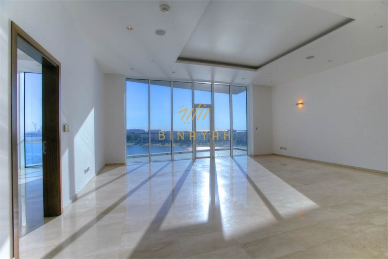 3 bedroom with full sea view on top floor