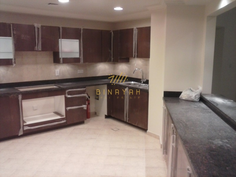 Gorgeous 2 Bedroom for Rent at Golden Mile
