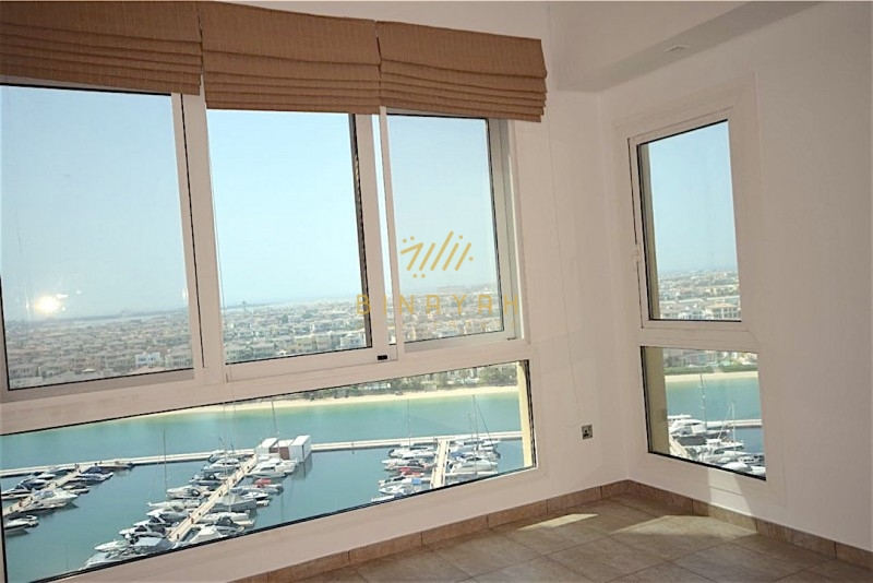 Stunning 3 bedroom waterfront apartment