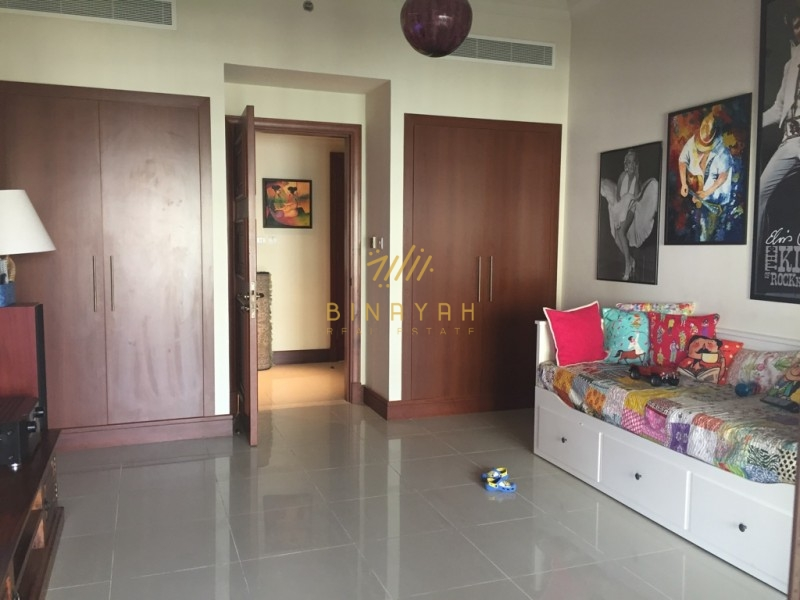 Palm Jumeirah Apartments for Sale  3 Bedroom in Golden Mile
