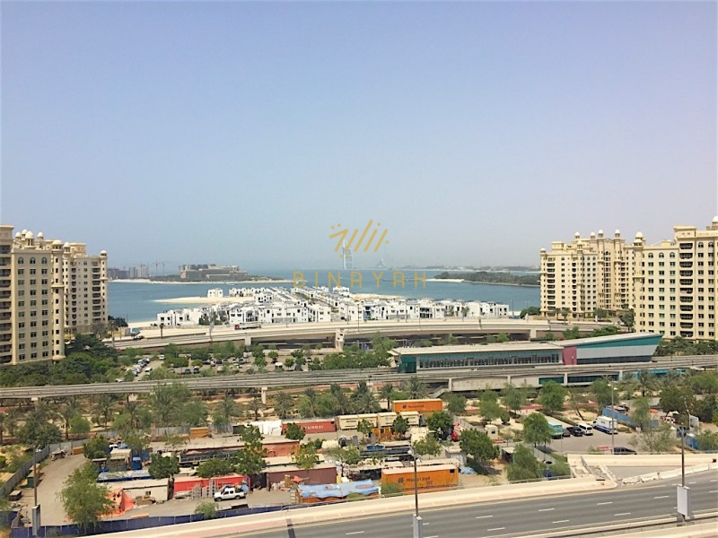 Top floor 3 bedroom sea and marina view