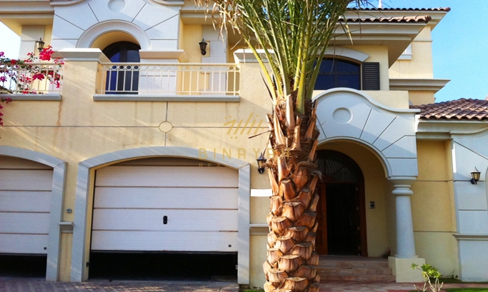 4 Bedroom Atrium Entry seafront garden home villa
