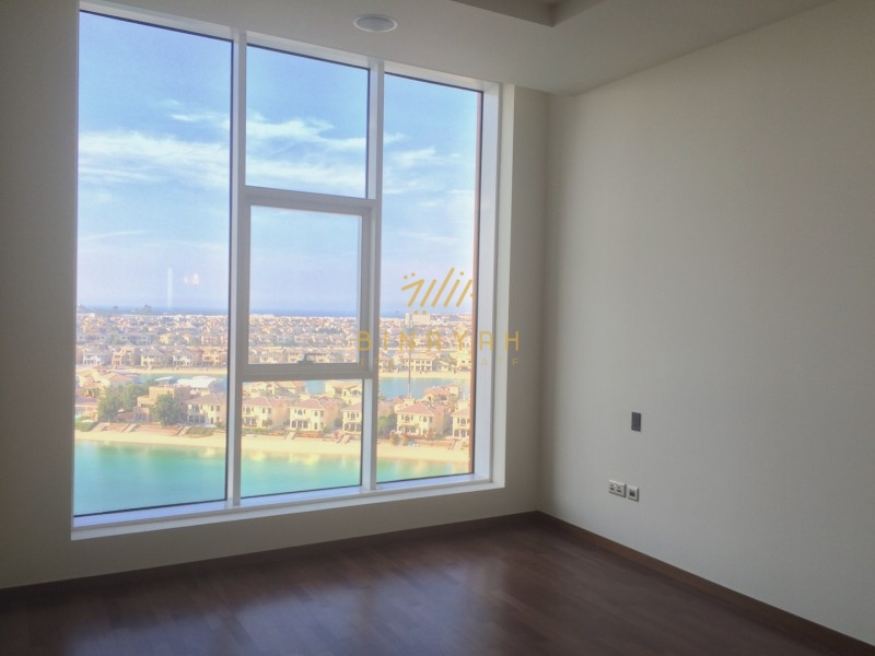 Stunning 2 bedroom waterfront apartment