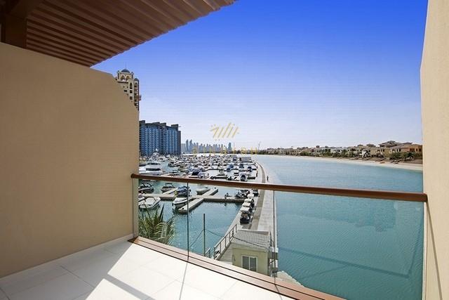 Amazing seafront studio apartment  Palm Views