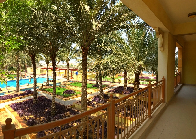 Spacious 2 bedroom seafront apartment