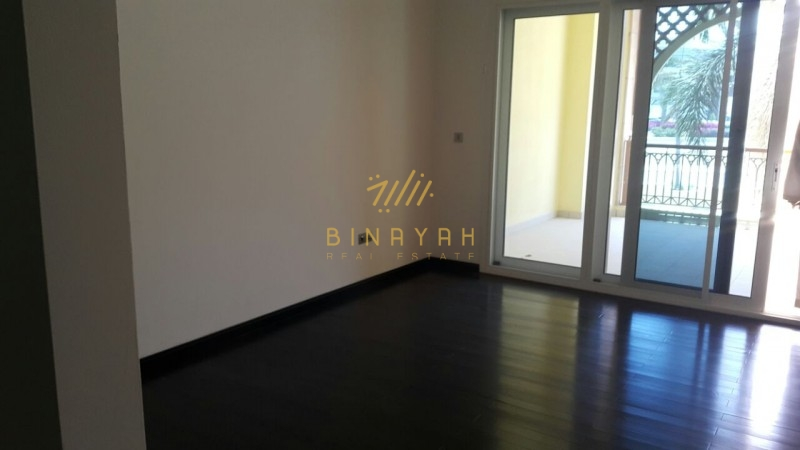 Cheapest 2 Bedroom with big Terrace in Marina Residence, Palm Jumeirah