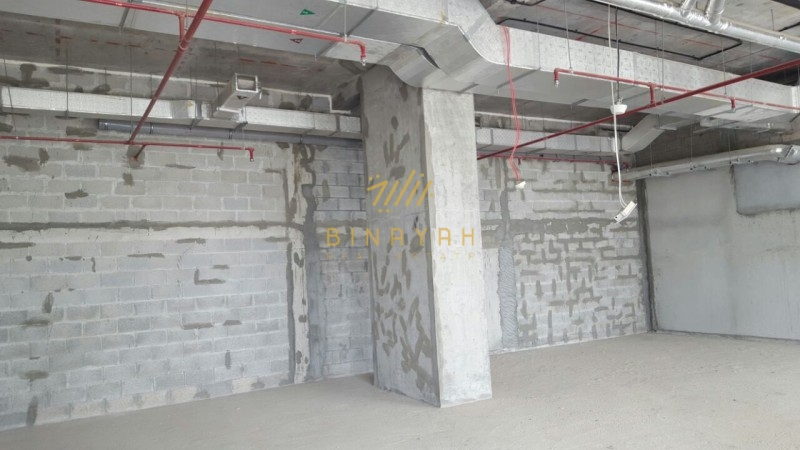 Retail space in Executive Bay