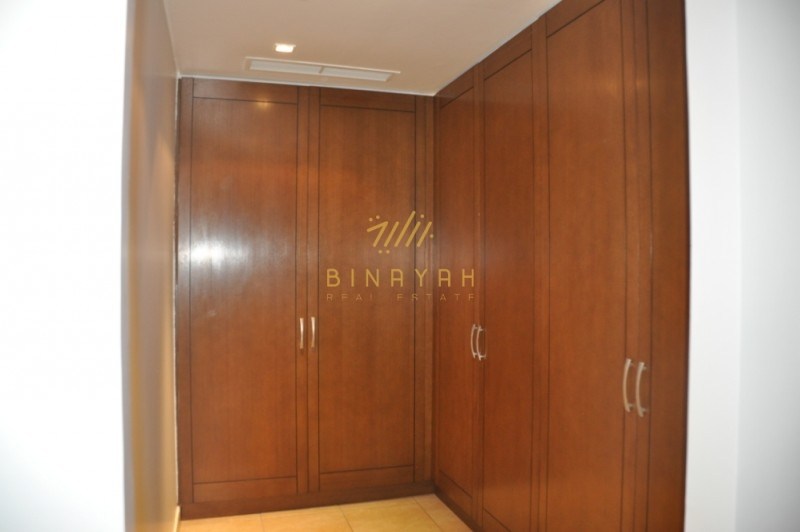 2 Bedroom in High floor Marina Residence
