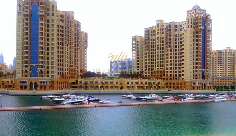 Top floor full sea view 2 bed with maids