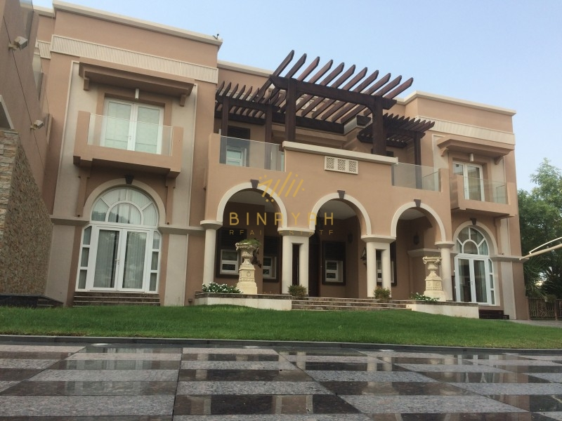5 Bedrooms with Full Lake View in Emirates Hills for sale
