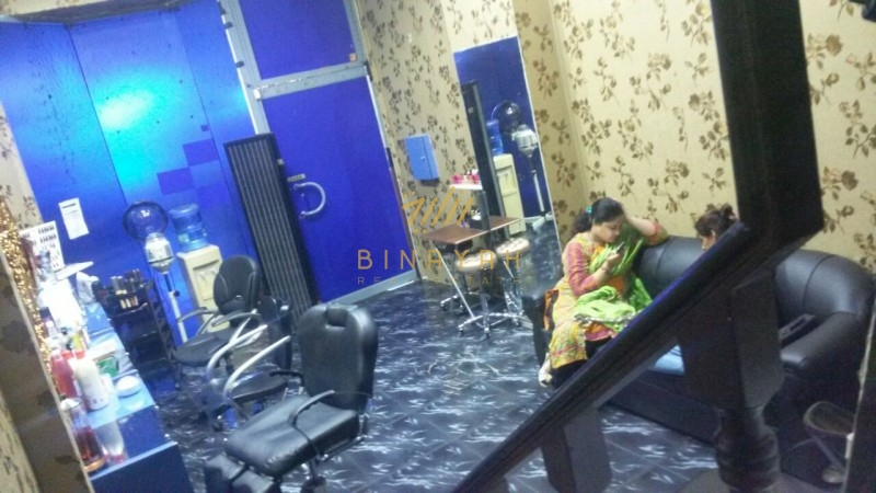 Ladies Saloon for Rent at Mina Bazaar Bur Dubai