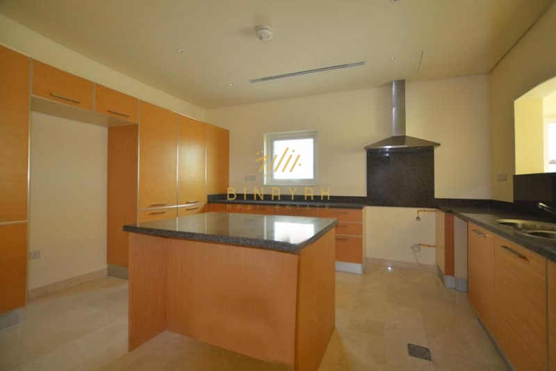 Close to Park | 3 BR TH | Community View