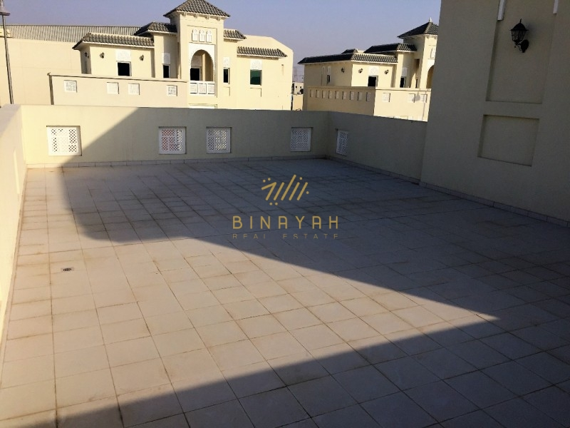 4 BR Villa|Near Spinneys | Corner Unit