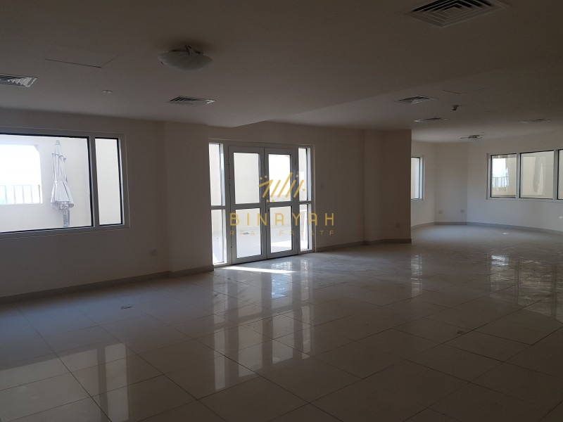 Penthouse l 5 BR I Sea and Lake View