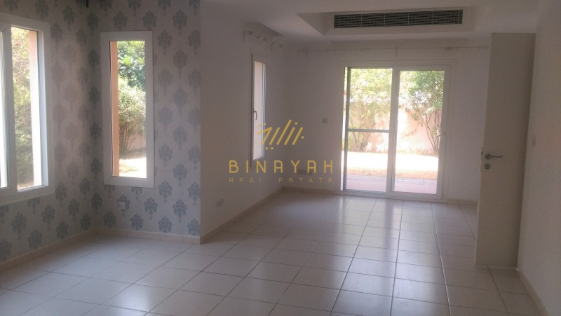 Maeen 3 BR with maid facing park and pool