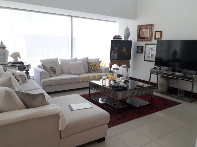 Beautiful 2 floor apt in WTC , 3 bed + Maid