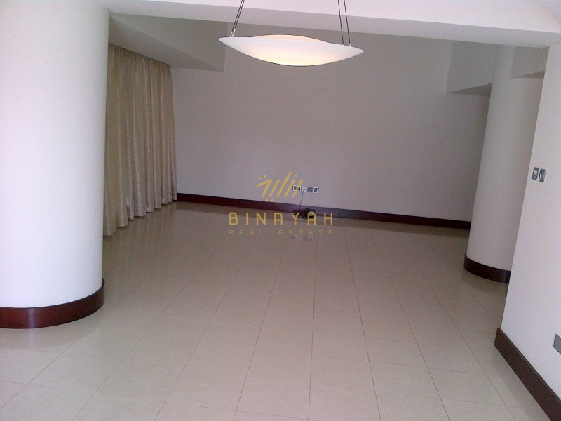 Beautiful 2 floor apt in WTC , 3 bed, spacious